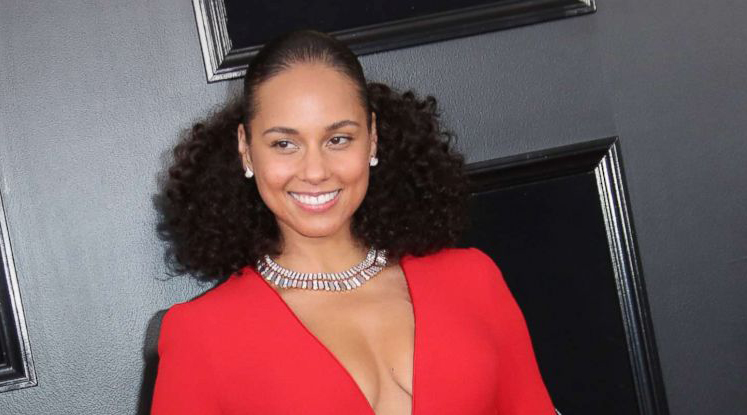 Alicia Keys Steps Into The Light