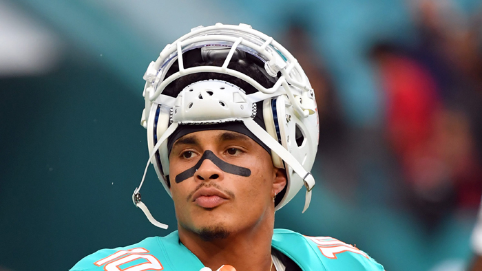 Dolphins Receiver Kenny Stills Calls Out Team's Owner For Hosting Trump Fundraiser