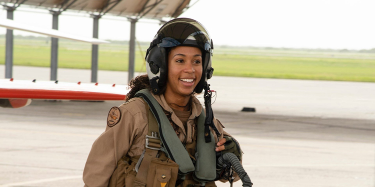 This aviator just became the US Navy's first Black female fighter pilot